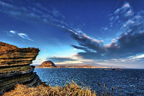 늦은 오후에 방문하면 산방산과 형제섬에 드리워진 일몰빛을 느낄 수 있습니다.