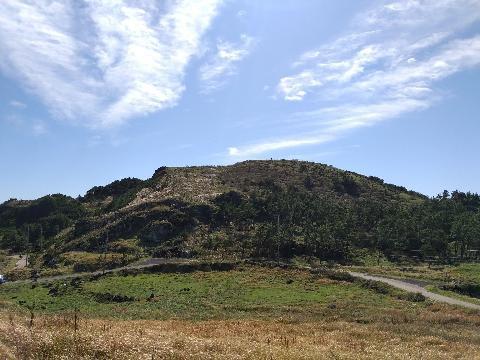 가족과 함께한 제주도  한라산 영실코스 맑은 하늘과  아름다운 풍경이 지금도 아련히 떠오릅니다.