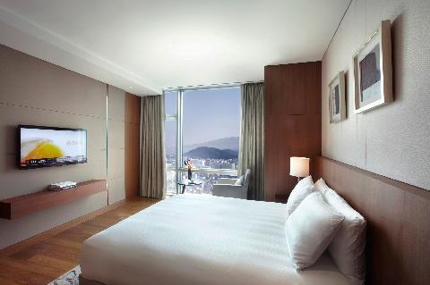 The sun goes down? No problem! <Four Hotels Near Jeju Nighttime Hotspots> 대표이미지